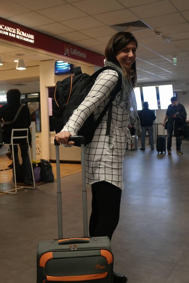 aeroporto di Ciampino, in partenza per un viaggio in solitaria in Sicilia