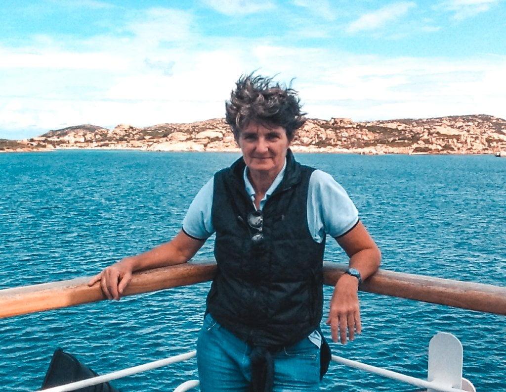 viaggiare da sola a 60 anni, Giulia in traghetto