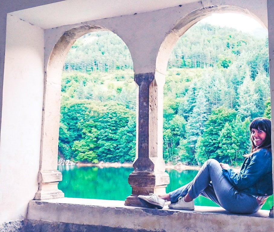 vista del lago di San Domenico dalla finestra dell'Eremo