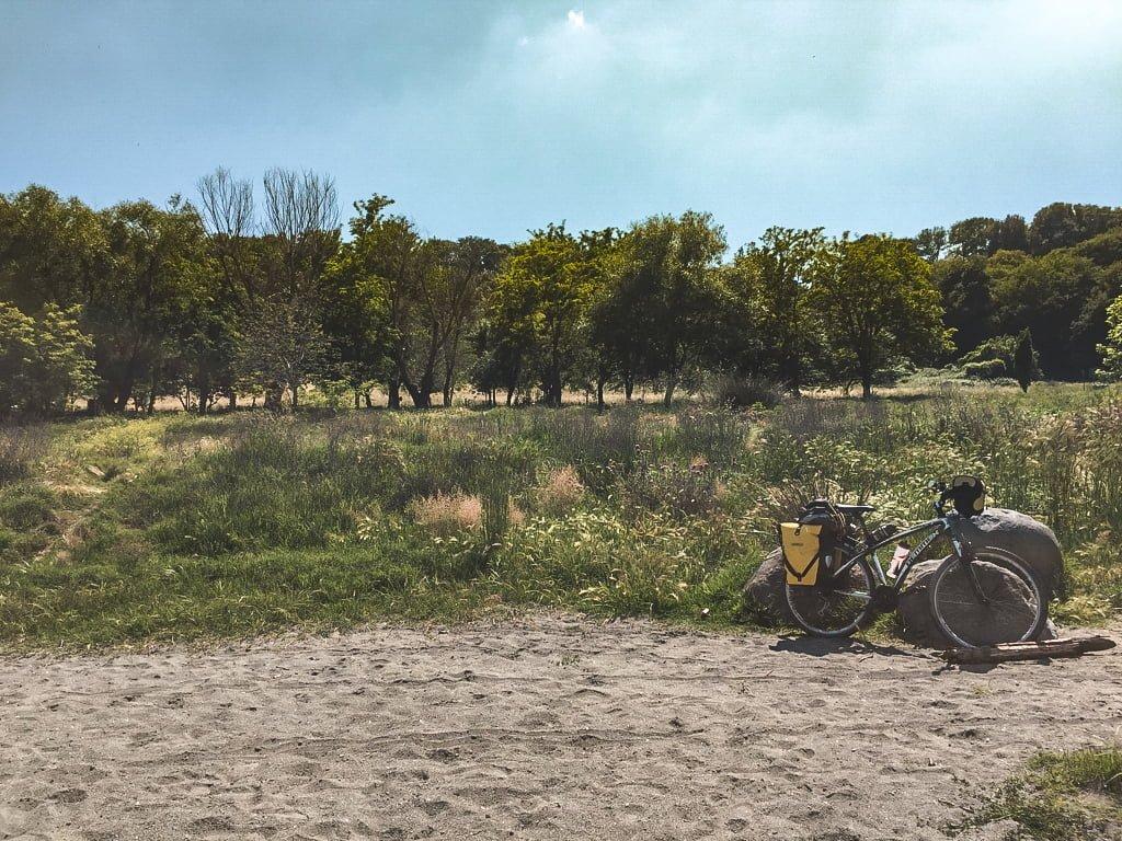 viaggio da sola in bicicletta da Padova a Roma, tappa al Lago di Martignano