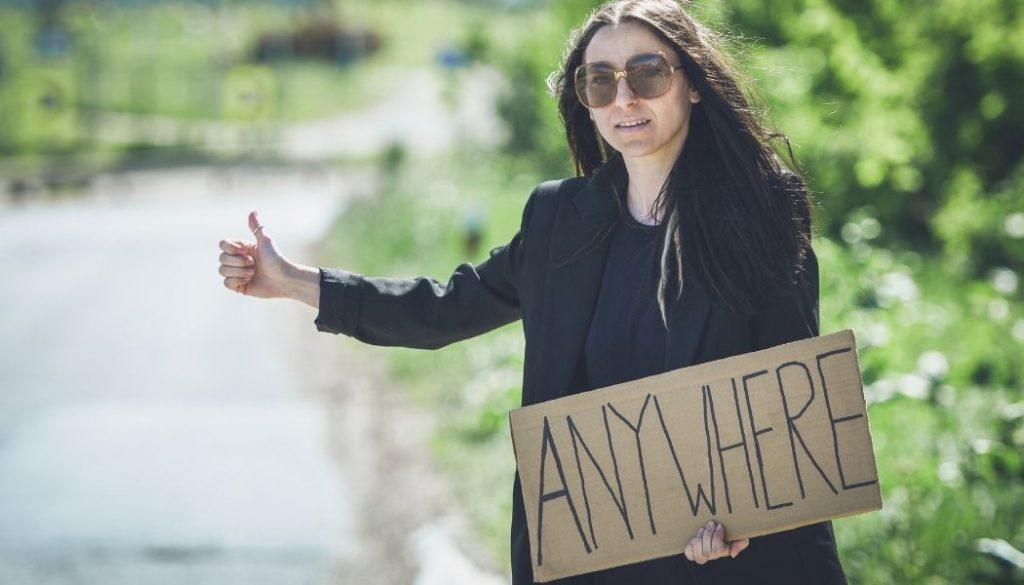 se fai l'autostop a madrid o in spagna, usa il cartello