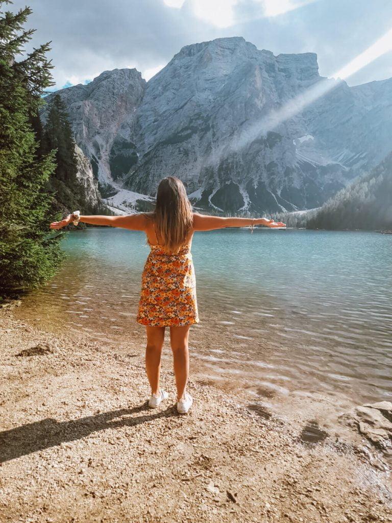 Cose da fare al lago di braies, passeggiare